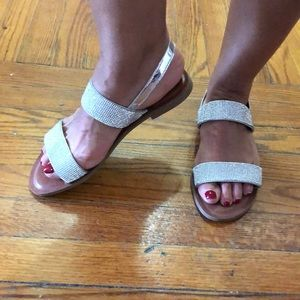 Crystal bedazzled flat sandals sz 9 pre owned